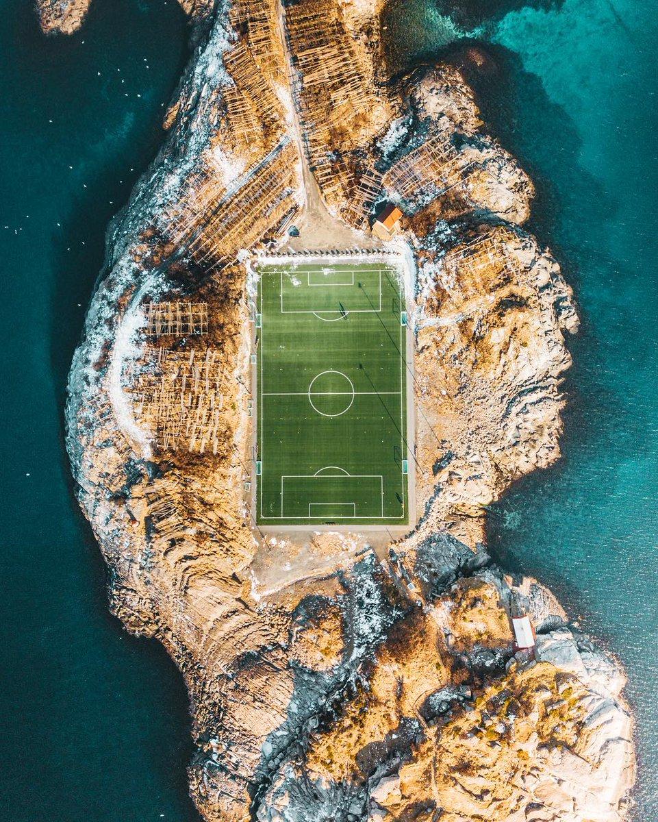 Norveç Henningsvær Stadyumu